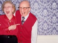 Lachende ouderen